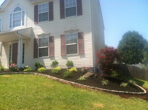 8-26-14_landscaping_after_05c
